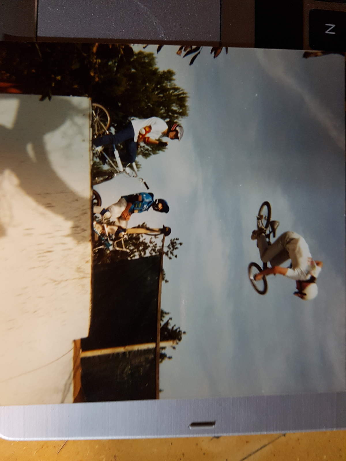 http://uploads.bmxmuseum.com/user-images/115340/20180111_1922225a5a40314f.jpg