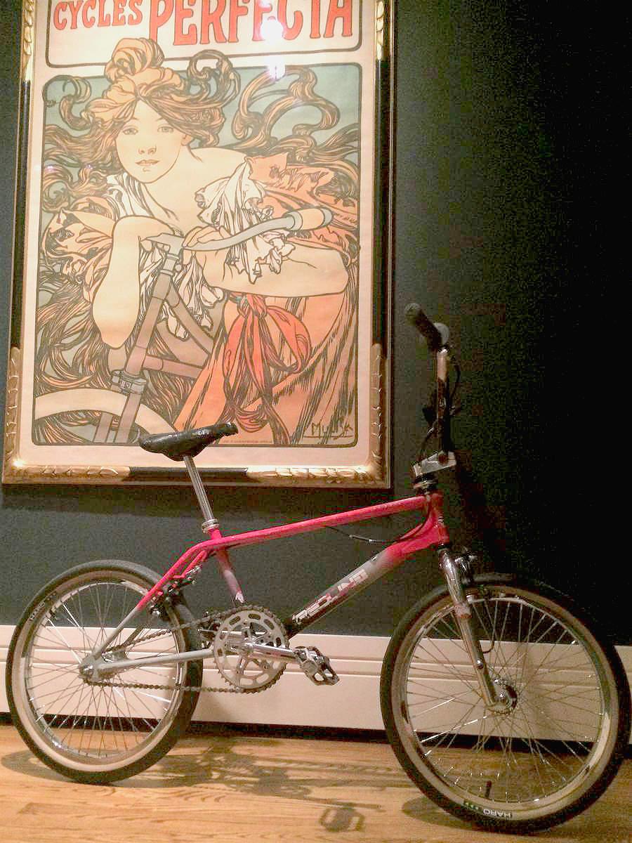 http://uploads.bmxmuseum.com/user-images/152/muchared5d4c33d76d.jpg