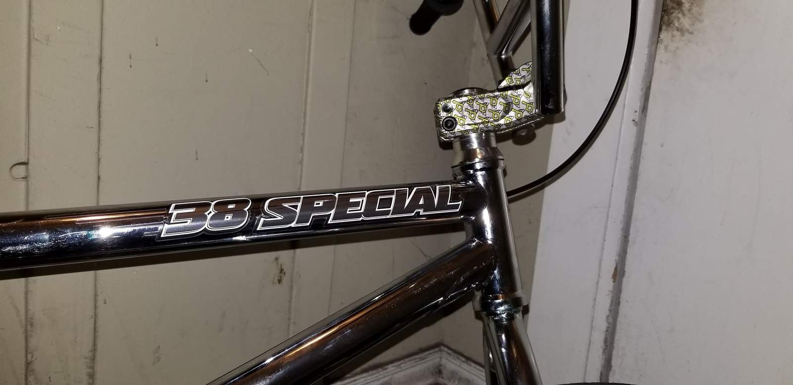 http://uploads.bmxmuseum.com/user-images/162404/38decals5d37d5cbb8.jpg