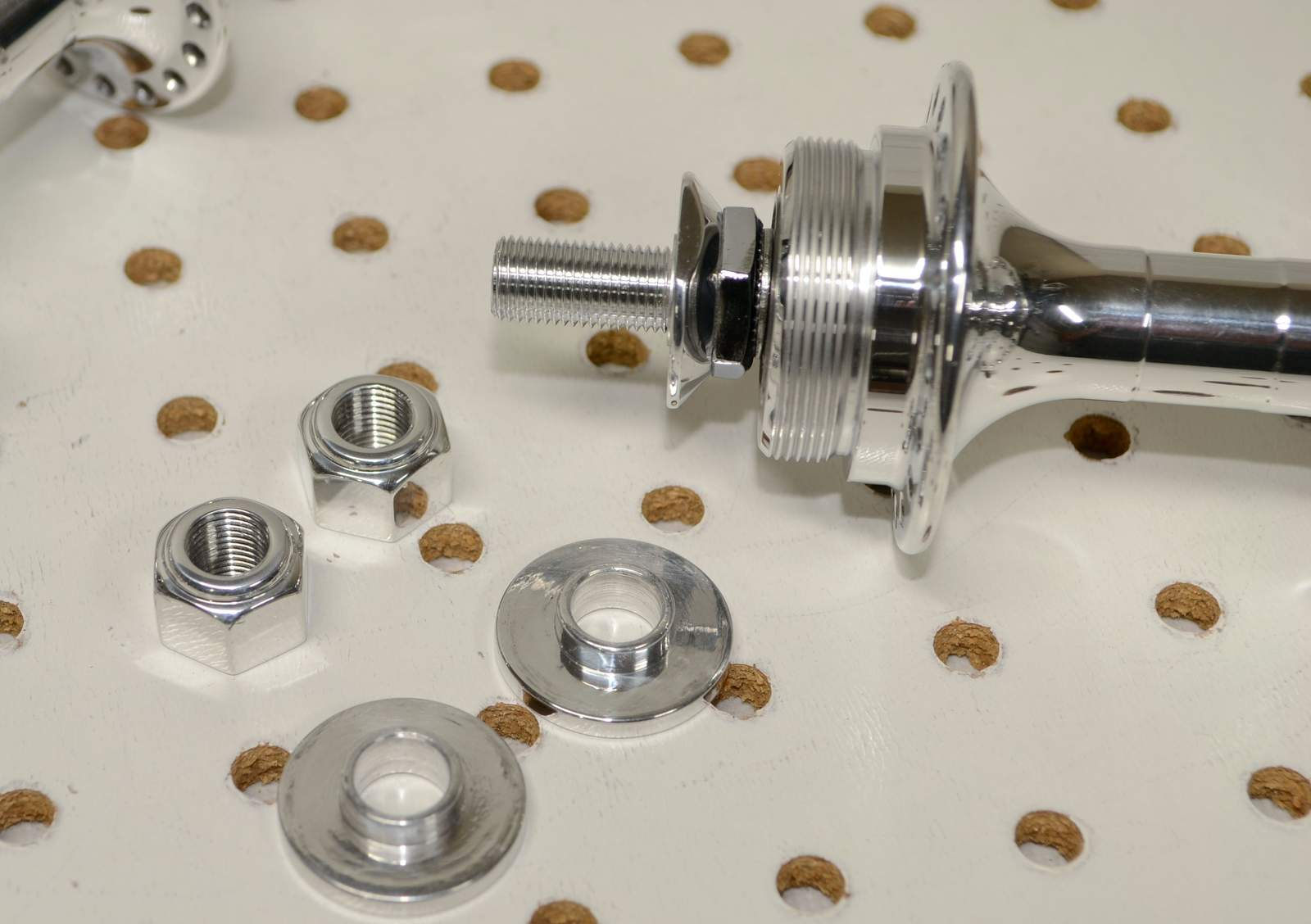 http://uploads.bmxmuseum.com/user-images/17782/crupi-1st-gen-polished-mini-hubs...125981f84dbe.jpg