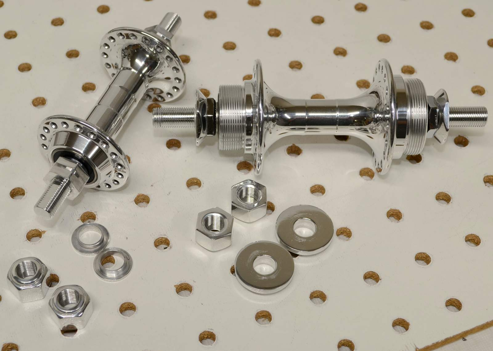http://uploads.bmxmuseum.com/user-images/17782/crupi-1st-gen-polished-mini-hubs...35981f7fb78.jpg