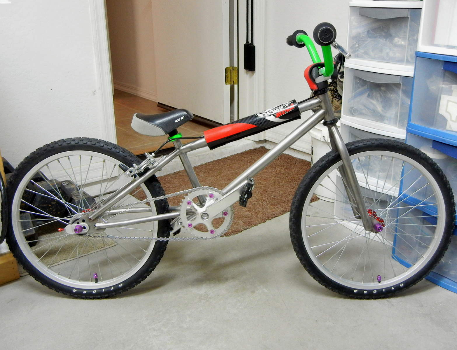 http://uploads.bmxmuseum.com/user-images/17782/justins-elf-mini...159ced49471.jpg
