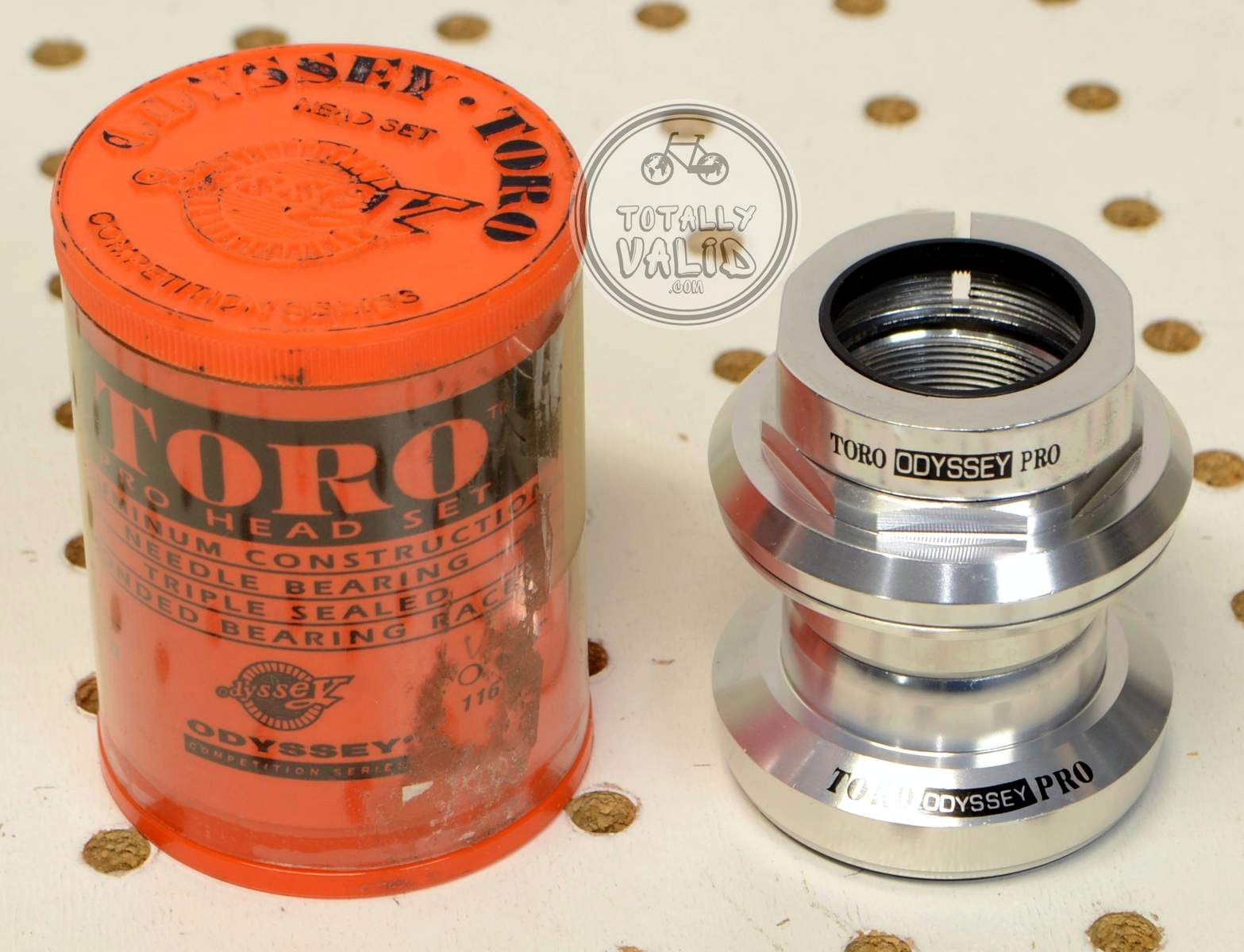 http://uploads.bmxmuseum.com/user-images/17782/odyssey-toro-pro-needle-bearing-headset-os-threaded-vintage-mtb-parts-library.15c3bba21f1.jpg