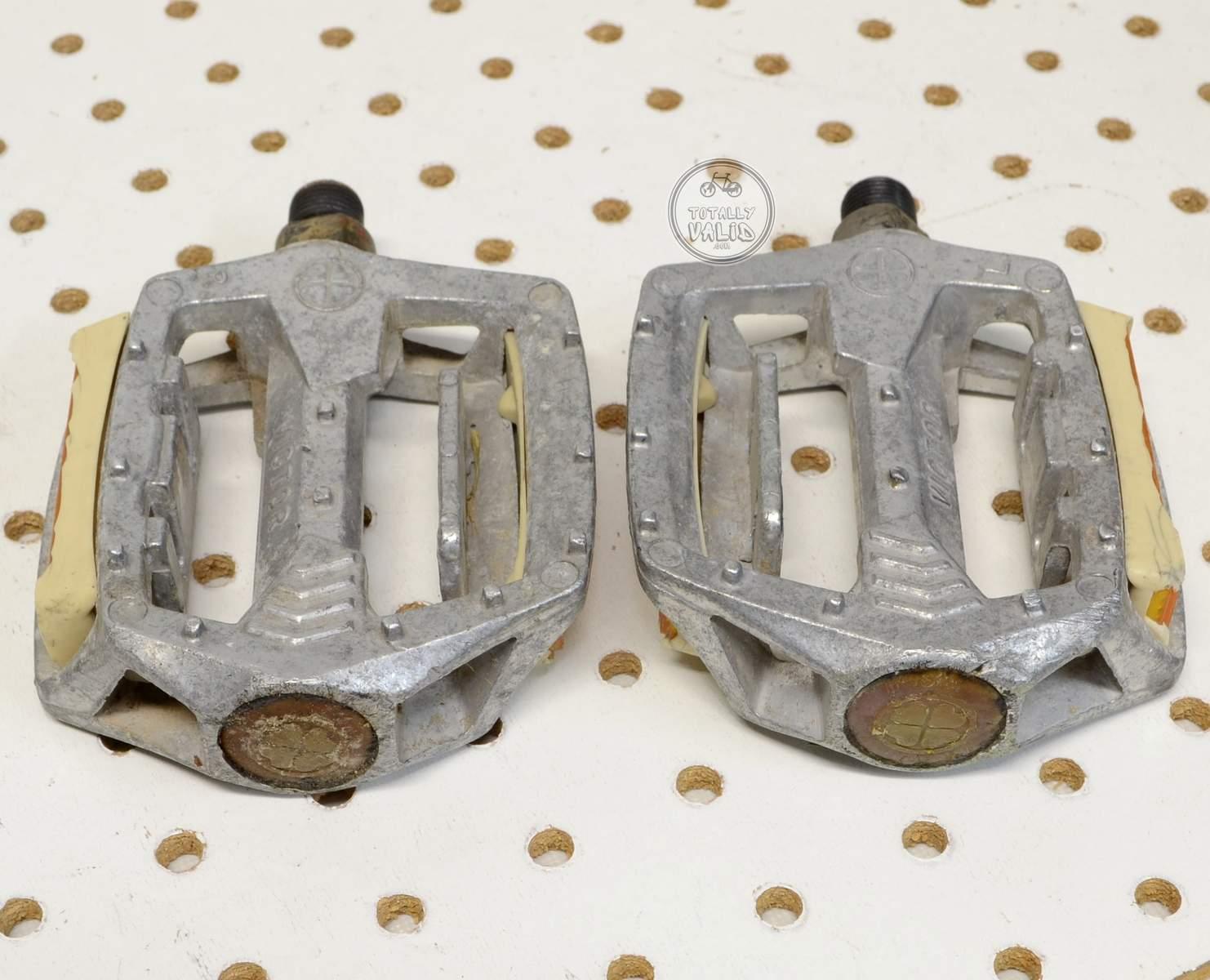 http://uploads.bmxmuseum.com/user-images/17782/victor-pedals-pd-mx15-copies.....vintage-bmx-parts-catalog-........25c47983514.jpg