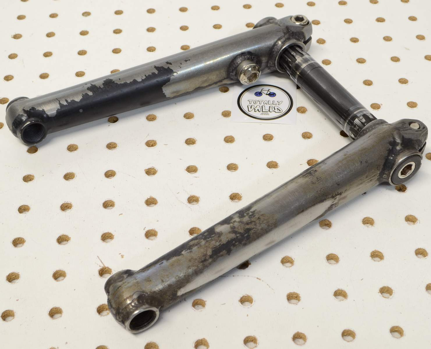 http://uploads.bmxmuseum.com/user-images/17782/voxum-bmx-cranks-180mm...-.-bike-parts-picture-library...25c7feaa25a.jpg