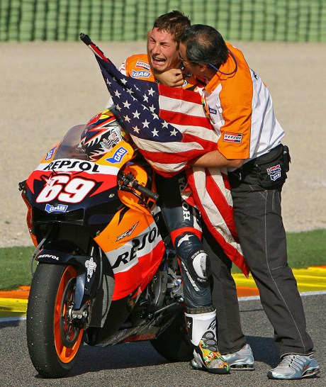 http://uploads.bmxmuseum.com/user-images/199820/nicky-hayden-repsol-20th5ca3e0ee95.jpg