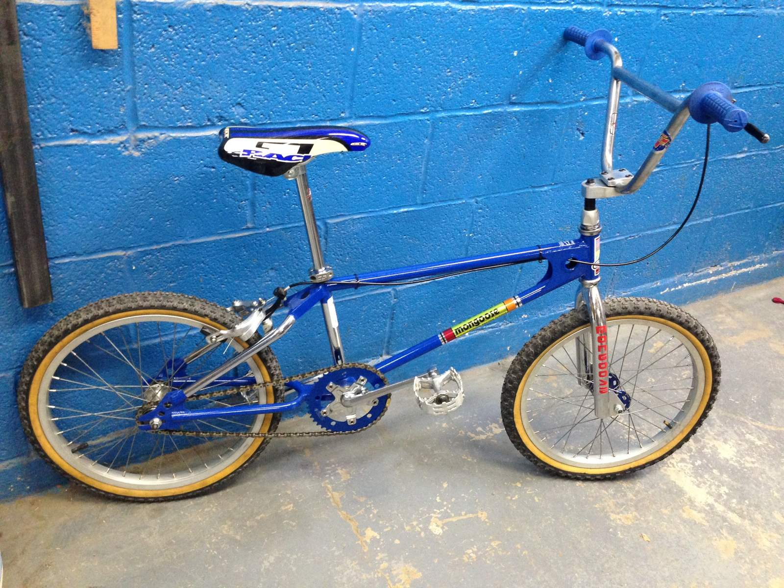 http://uploads.bmxmuseum.com/user-images/207817/c1066570-e6dc-4d43-aa4e-1b54cd61b2e75adeb12445.jpeg