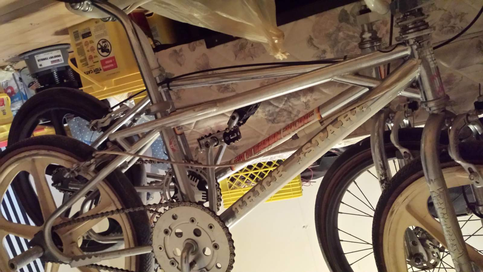 http://uploads.bmxmuseum.com/user-images/210357/20160828_18385457c381c75d.jpg