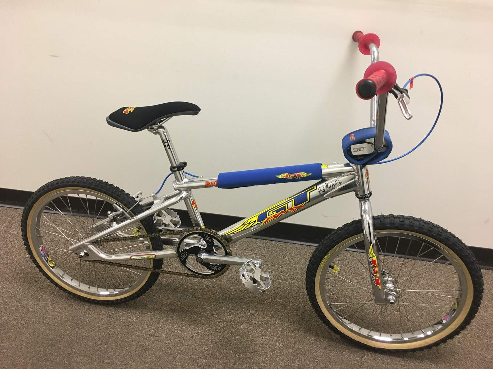 http://uploads.bmxmuseum.com/user-images/234558/e8d5dd0c-41a2-4f60-862e-5b113c88e3005c1509be5b.jpeg