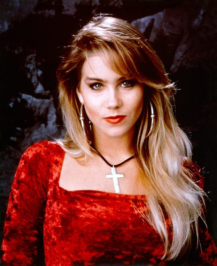 http://uploads.bmxmuseum.com/user-images/250388/001-christina-applegate-alias-kelly-bundy5d1a31379d.jpg