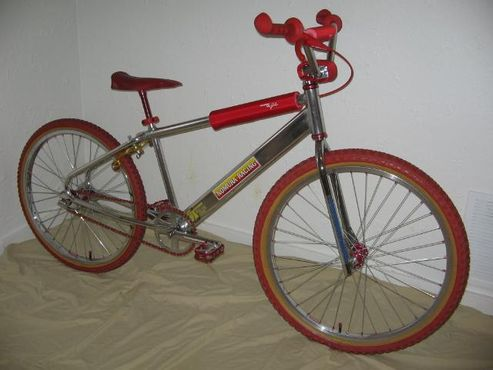 http://uploads.bmxmuseum.com/user-images/3408/bikes12-17-070615d51c43d21.jpg