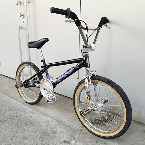 http://uploads.bmxmuseum.com/user-images/36359/17265680_1236294129818287_7313294814970118144_n5bee7acc295c61e9a033.jpg
