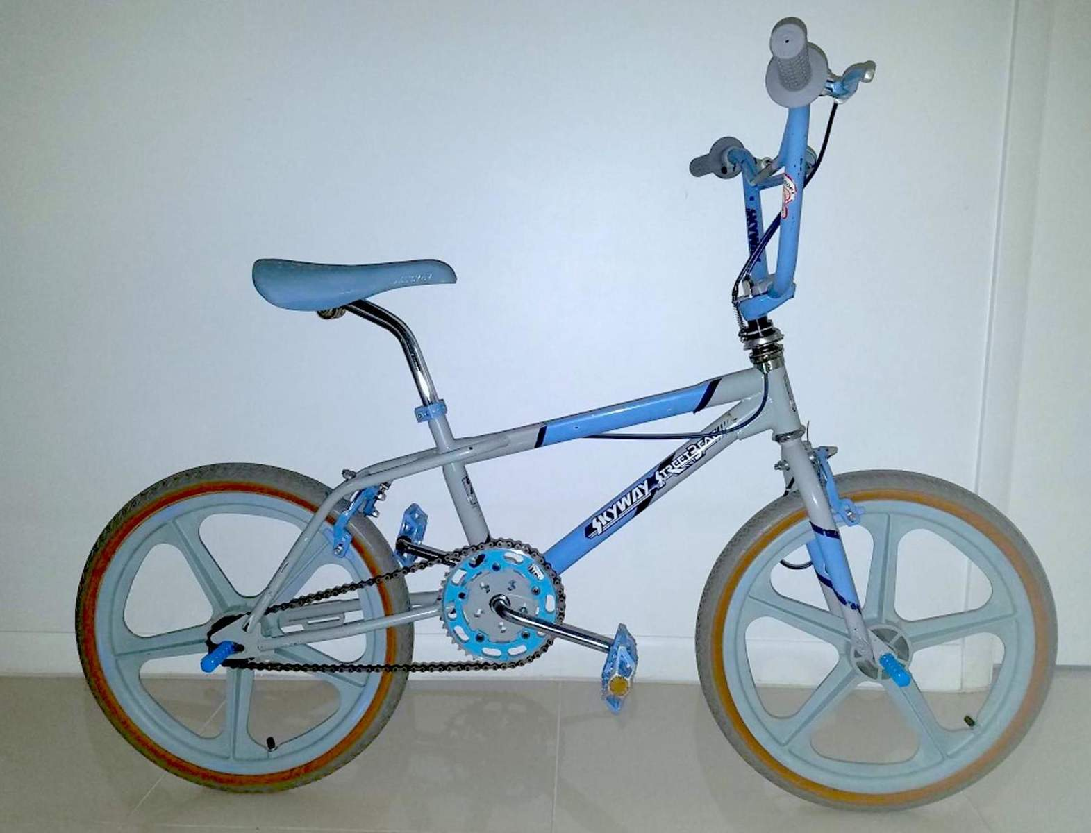 http://uploads.bmxmuseum.com/user-images/36359/beat59e0e6f6aa_blowup5a9361c0ae.jpg