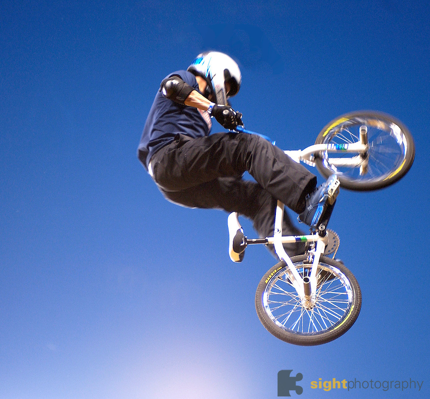 http://uploads.bmxmuseum.com/user-images/36359/dave-mirra56b4552293.jpg