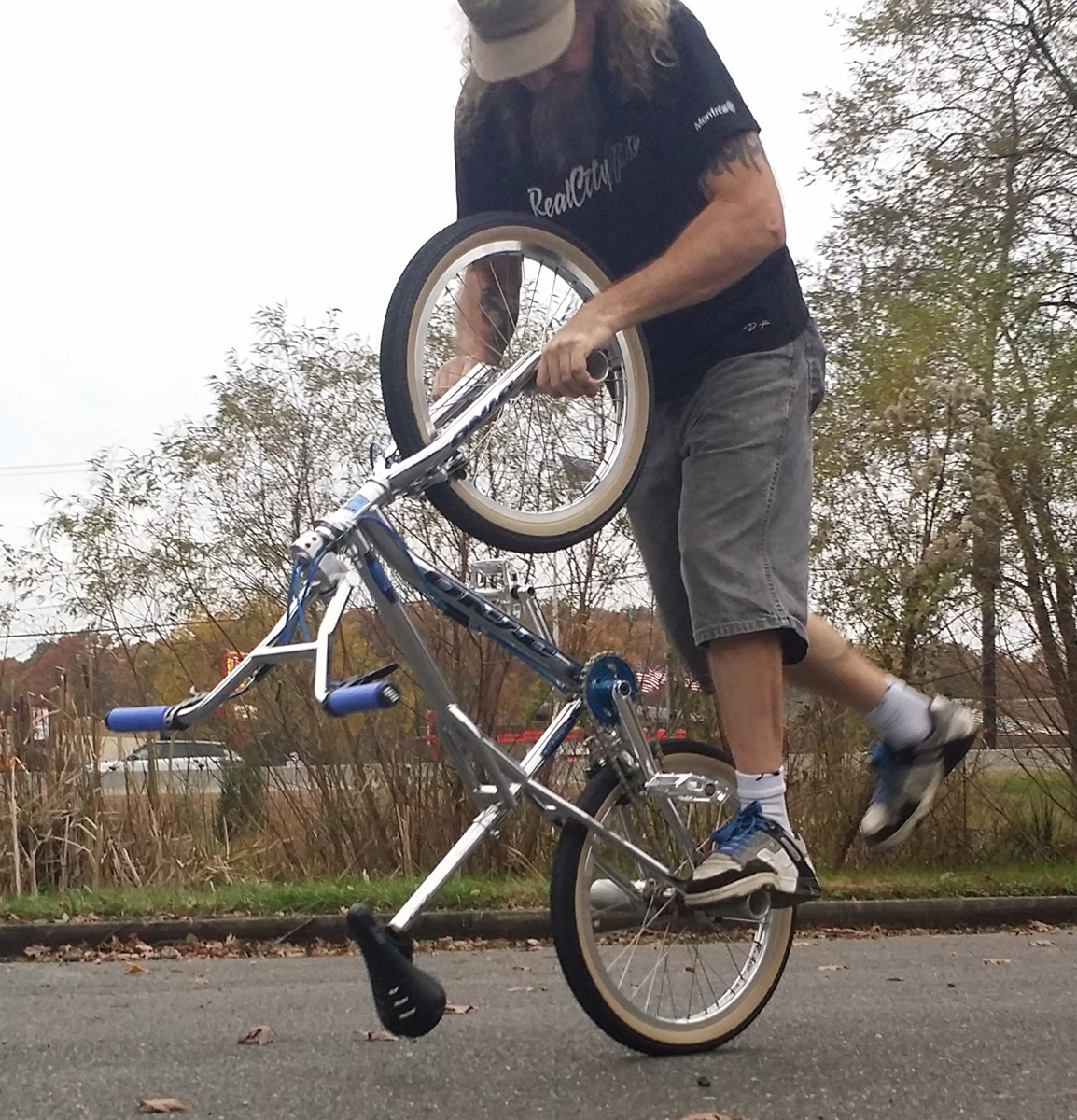 http://uploads.bmxmuseum.com/user-images/36734/slammerride-35be0e9b118.jpg