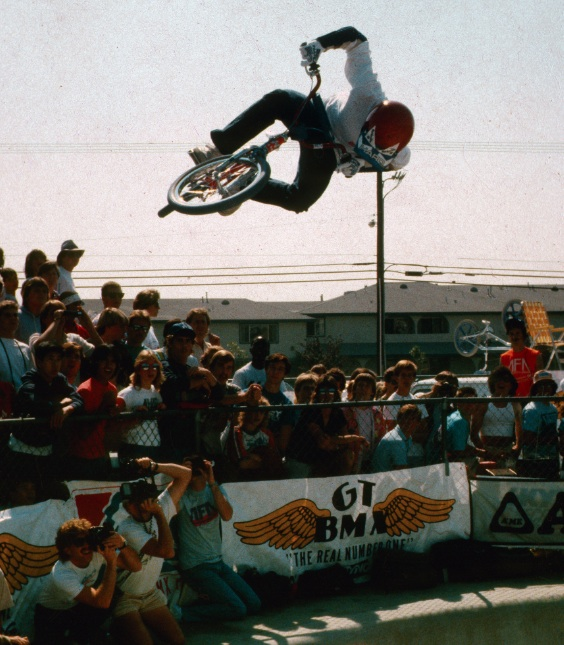 http://uploads.bmxmuseum.com/user-images/46226/get-up-there-brian5c8aa52cd2.jpg
