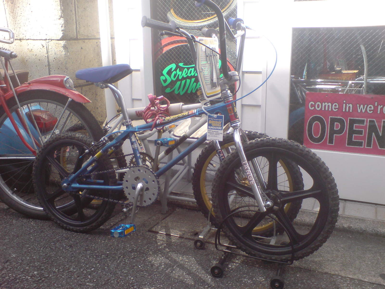 http://uploads.bmxmuseum.com/user-images/47558/screamin-wheels-2596086beb7.jpg