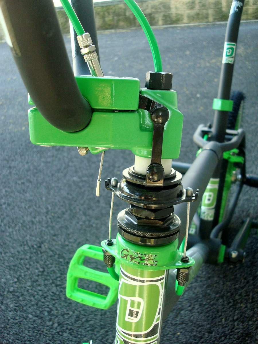 http://uploads.bmxmuseum.com/user-images/55127/1985-dyno-d-30---black--green-0245956926f97.jpg