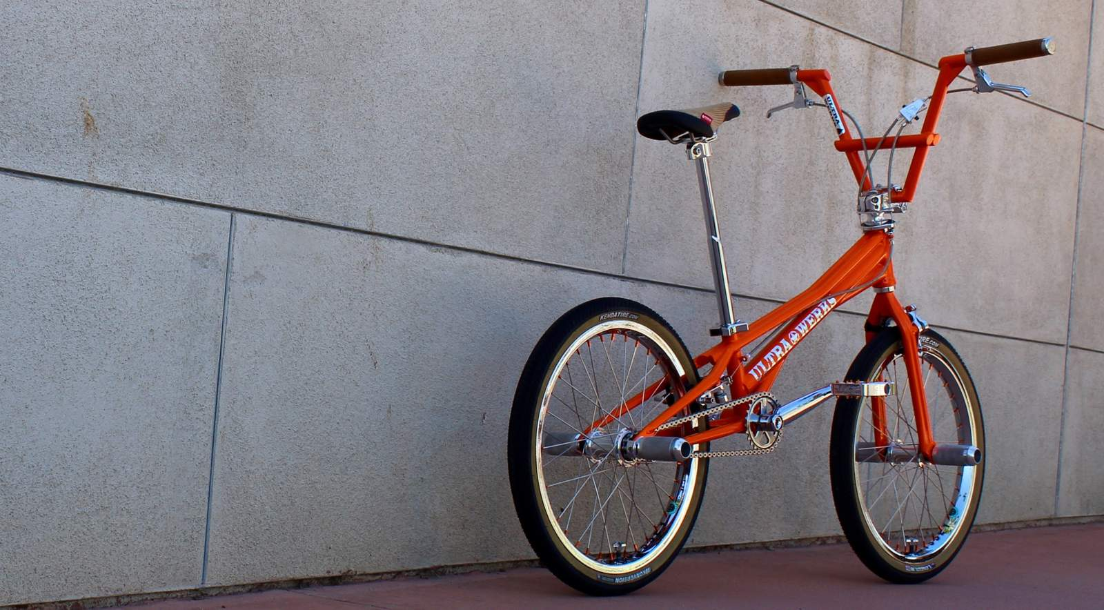 http://uploads.bmxmuseum.com/user-images/55127/2016-ultra-werks--mixology-custom-flatland-machine-0025bd1edf7f3.jpg