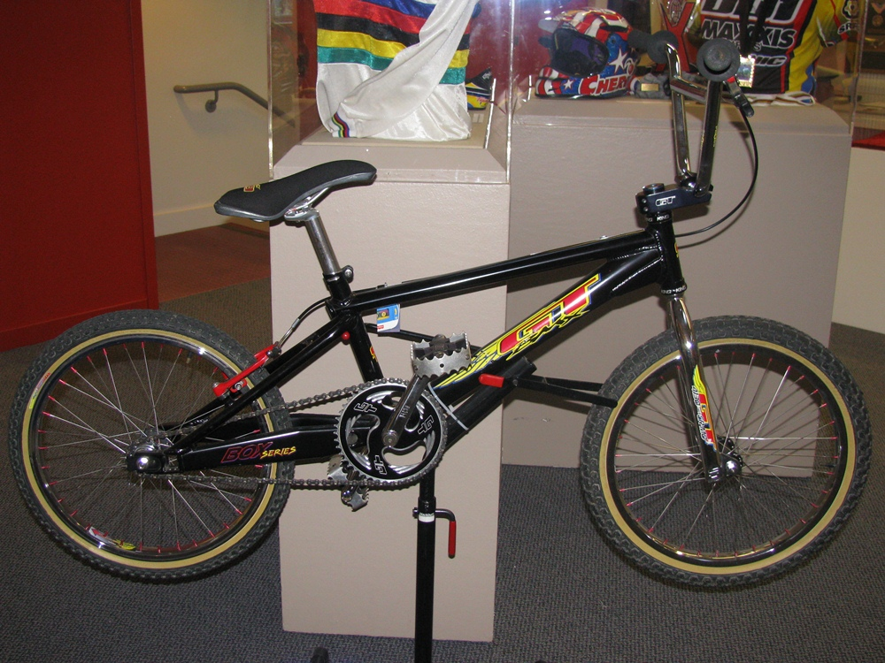 http://uploads.bmxmuseum.com/user-images/55510/3259600a80a5.jpg