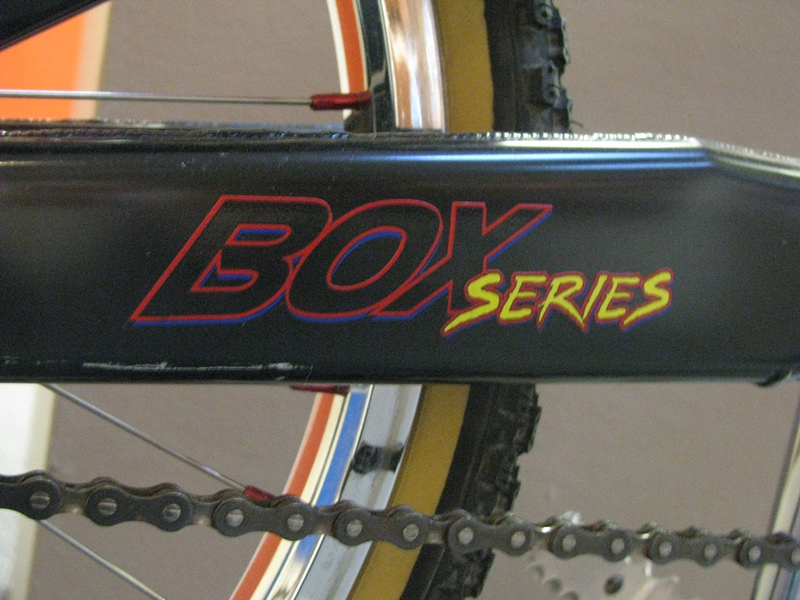 http://uploads.bmxmuseum.com/user-images/55510/8959600d6008.jpg