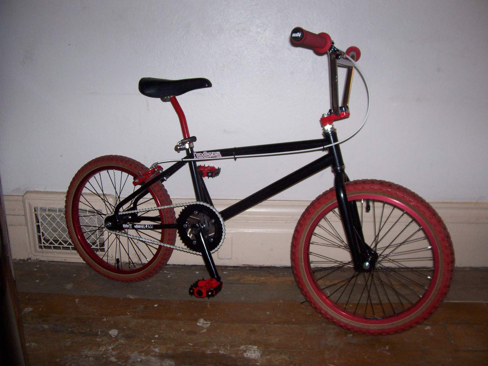 http://uploads.bmxmuseum.com/user-images/61851/100_6623581adb066a.jpg