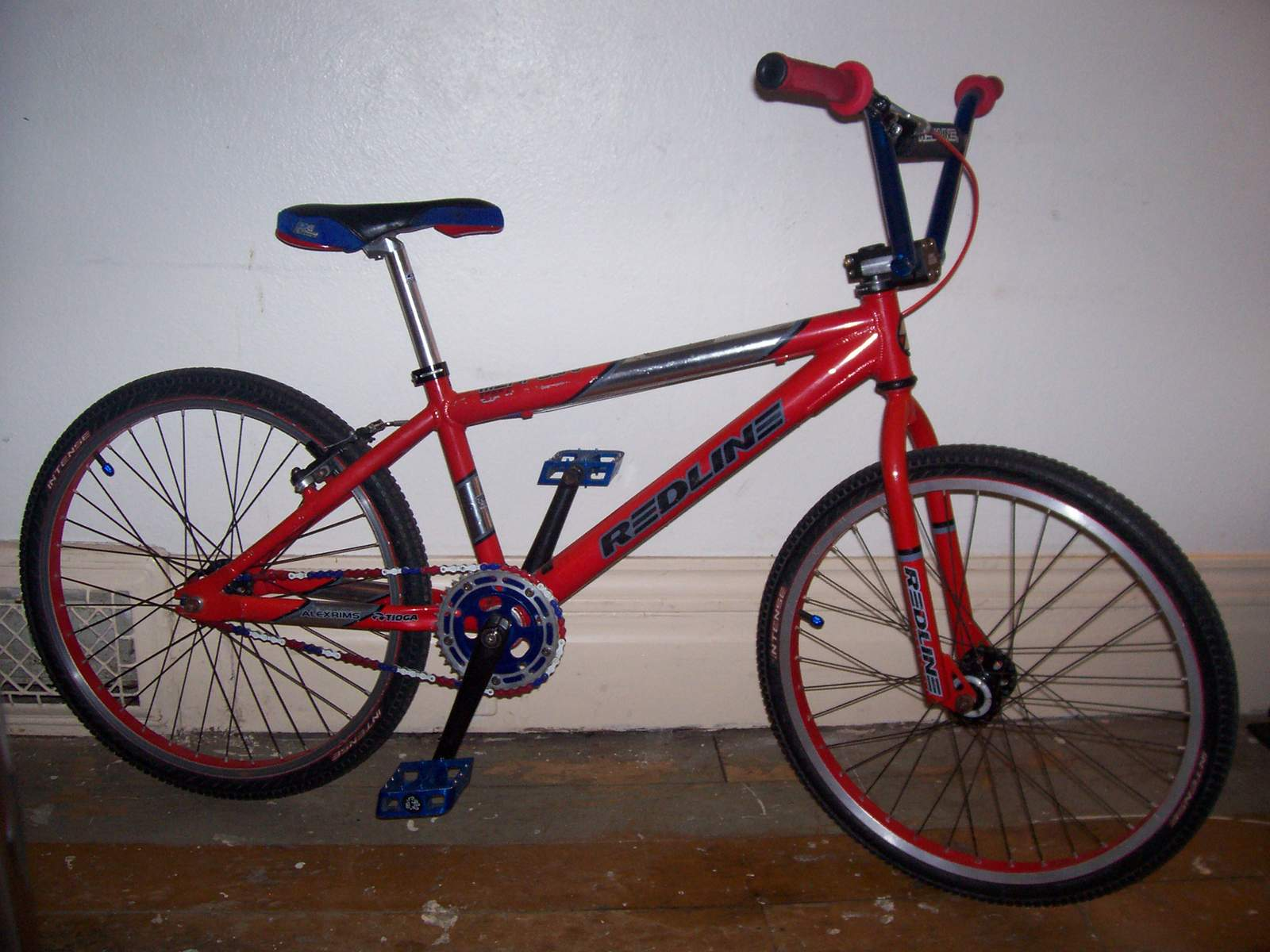 http://uploads.bmxmuseum.com/user-images/61851/100_675458258676df.jpg
