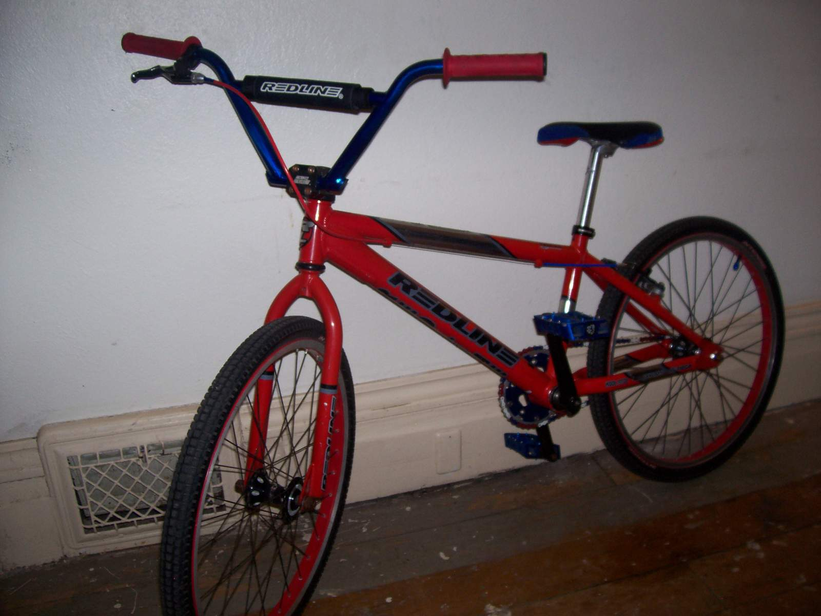 http://uploads.bmxmuseum.com/user-images/61851/100_67565825867bcb.jpg