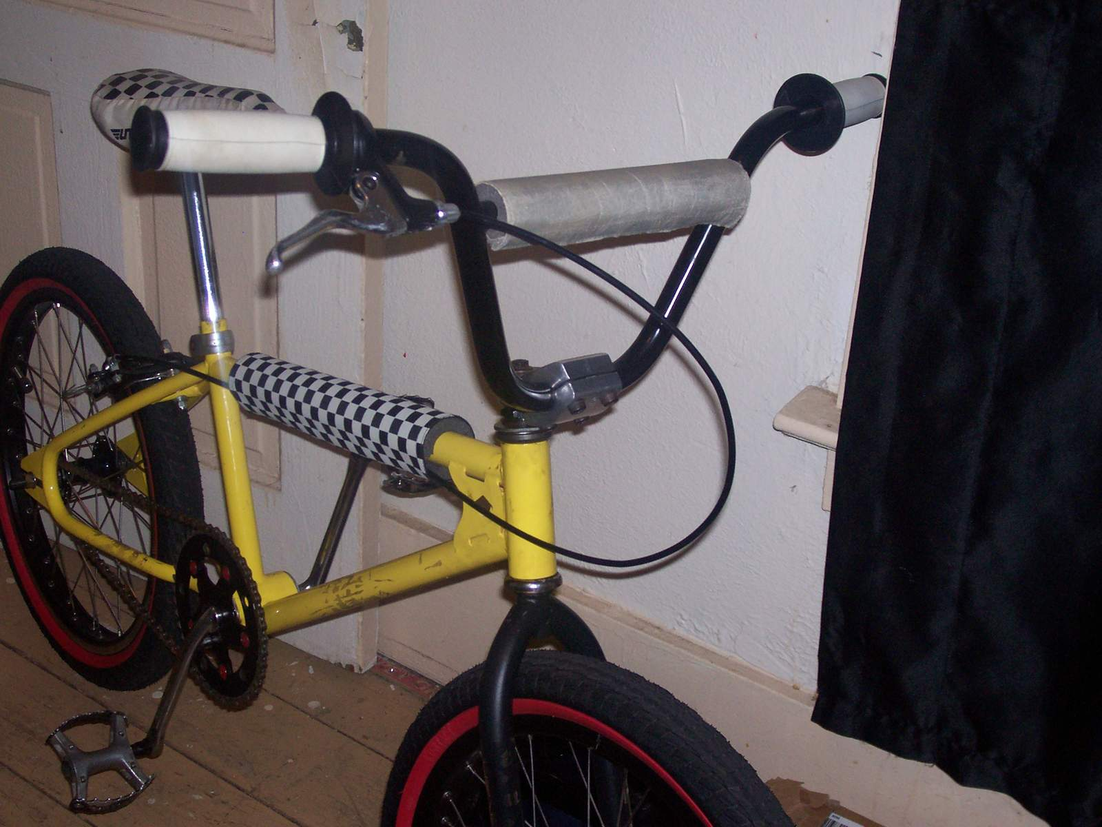 http://uploads.bmxmuseum.com/user-images/61851/100_6951584225d43d.jpg