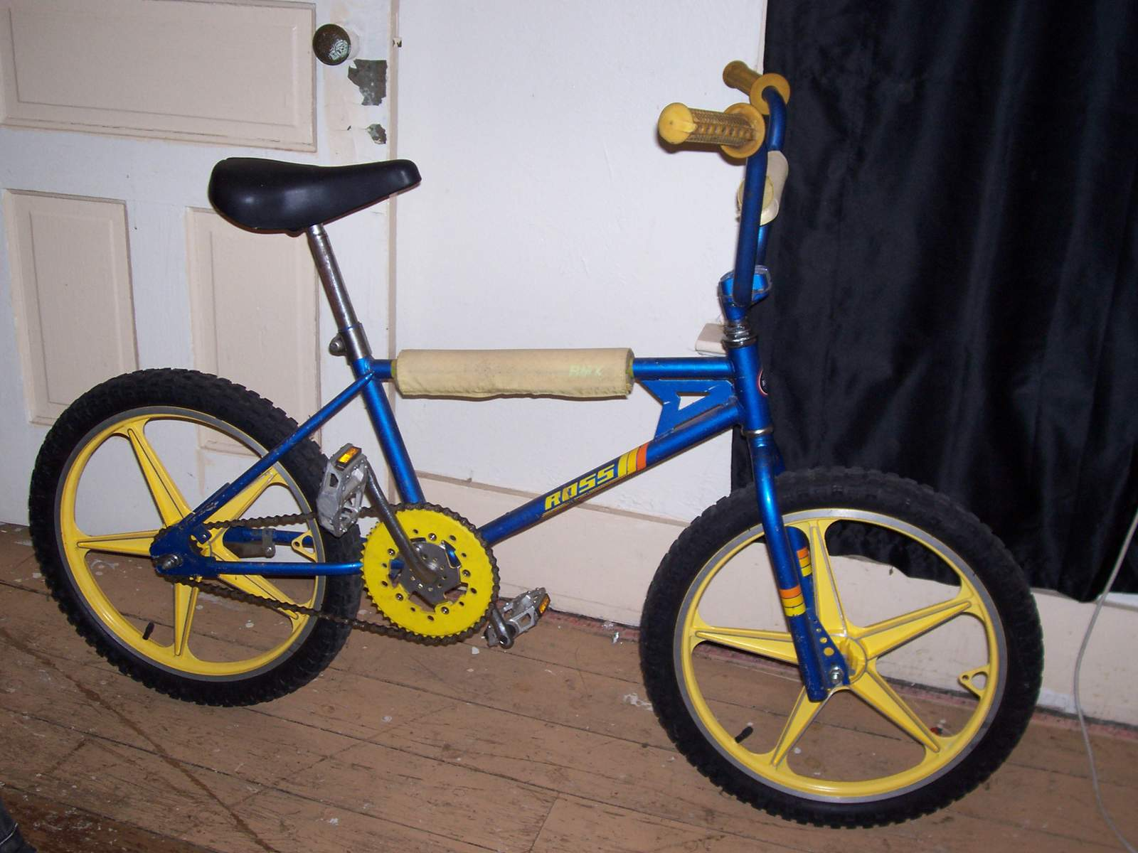 http://uploads.bmxmuseum.com/user-images/61851/100_70425847db625e.jpg