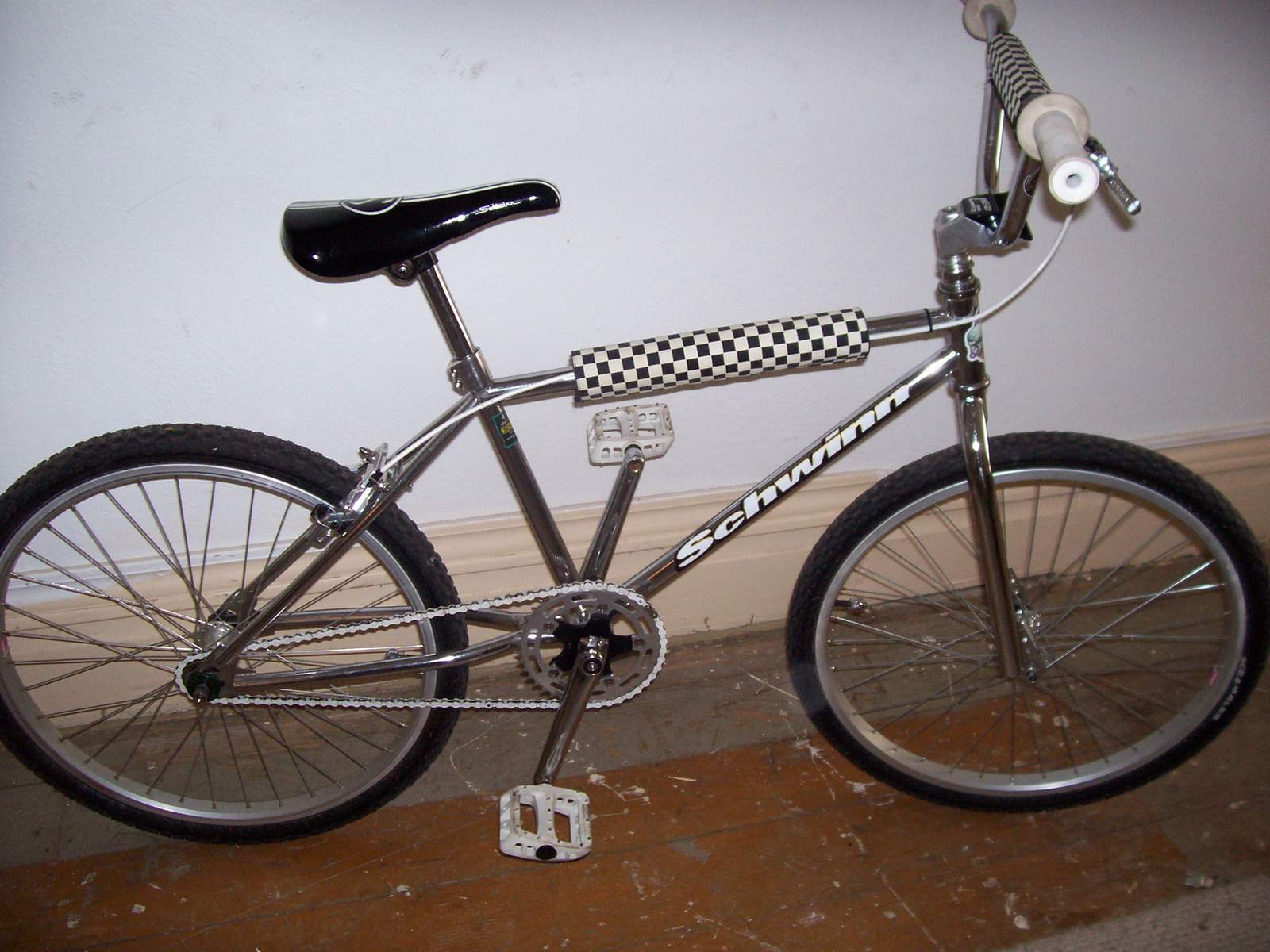 http://uploads.bmxmuseum.com/user-images/61851/100_968359a67d39df.jpg