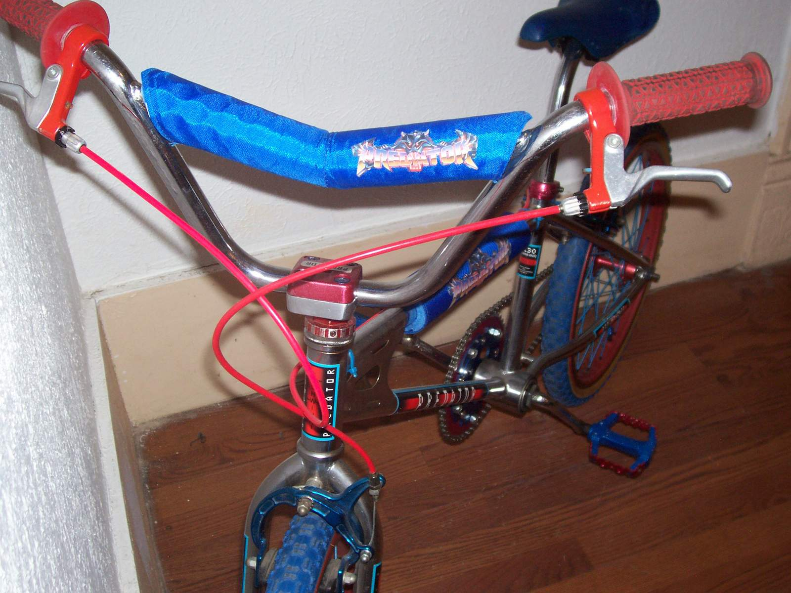 http://uploads.bmxmuseum.com/user-images/61851/101_45615ab20bf910.jpg