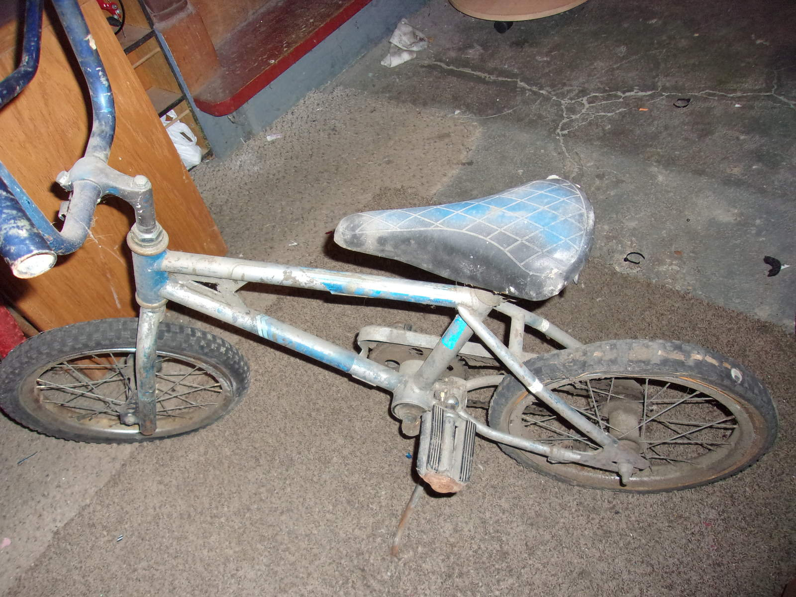 http://uploads.bmxmuseum.com/user-images/61851/102_01105c021699ec.jpg