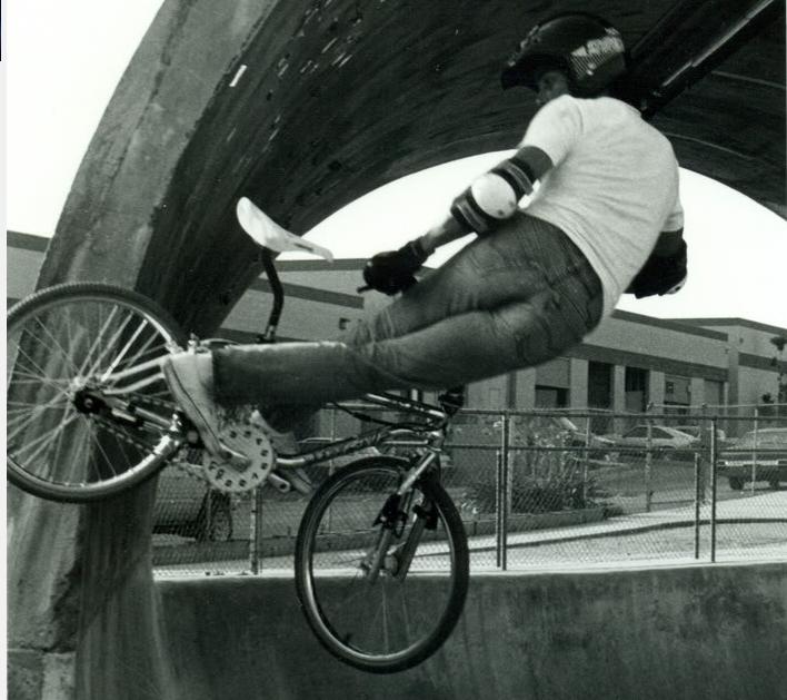 http://uploads.bmxmuseum.com/user-images/64169/martin-aparijo---eddie-fiola-bikes.---bmxmuseum.com-forums58195908af.png