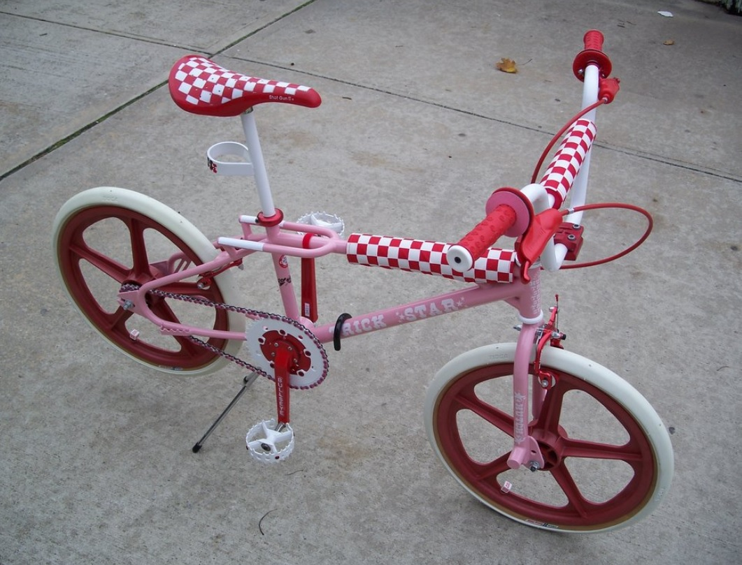 http://uploads.bmxmuseum.com/user-images/6845/pink-and-red-hutch5c9d250c52.jpg