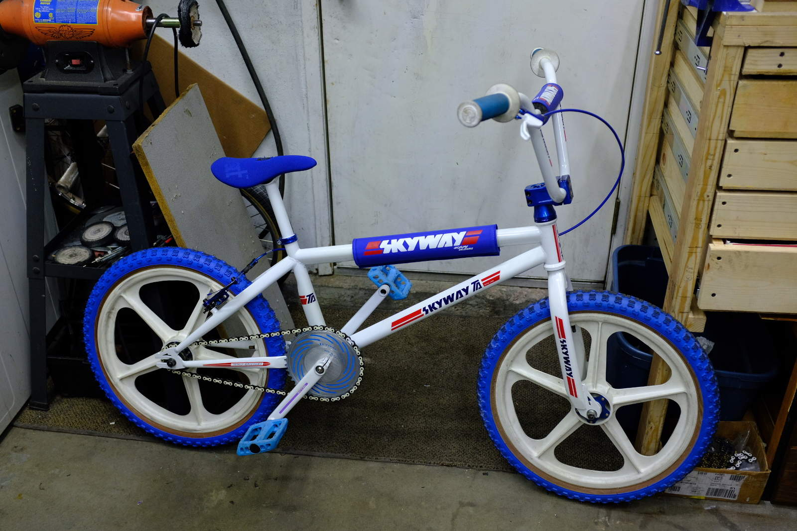 http://uploads.bmxmuseum.com/user-images/71353/photo-jan-27-9-55-29-pm5c60901710.jpg