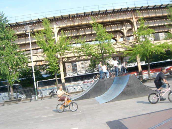 http://uploads.bmxmuseum.com/user-images/7439/mulally5bef05dc15.jpg