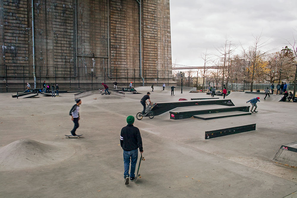http://uploads.bmxmuseum.com/user-images/7439/skateboardpark03_lg5bef084fec.jpg