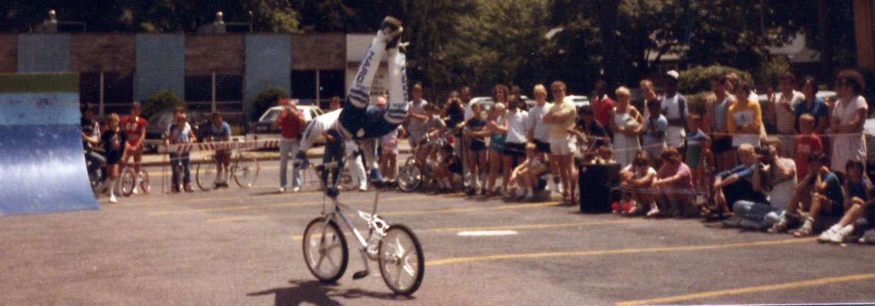 http://uploads.bmxmuseum.com/user-images/74614/12-15c874ee988.jpg