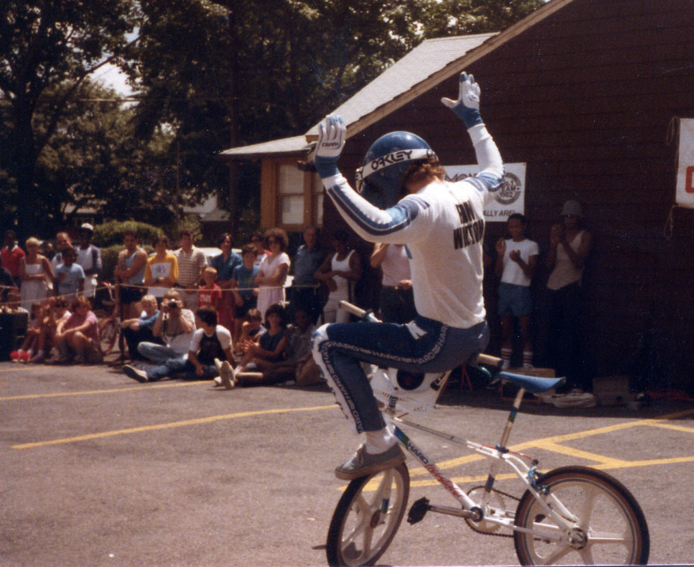 http://uploads.bmxmuseum.com/user-images/74614/205c874ee882.jpg