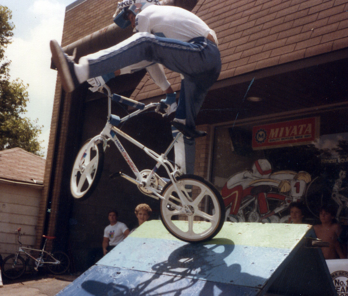 http://uploads.bmxmuseum.com/user-images/74614/225c874f8c68.jpg