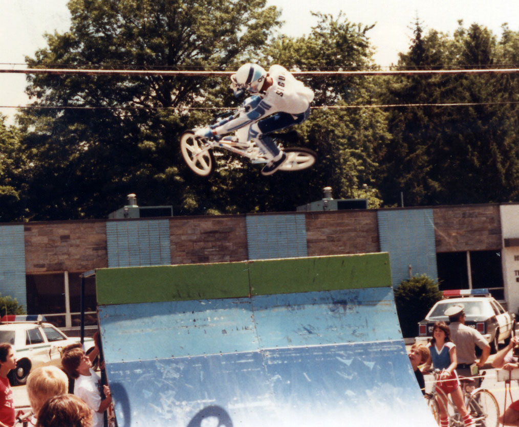 http://uploads.bmxmuseum.com/user-images/74614/5-15c874ee802.jpg