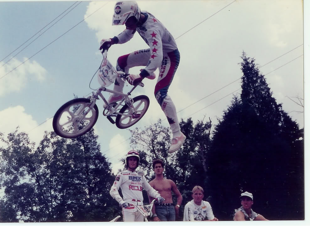 http://uploads.bmxmuseum.com/user-images/74614/85freestyleshow15c394b15cd.jpg