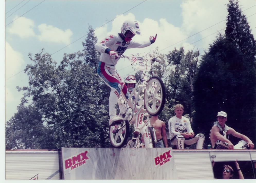 http://uploads.bmxmuseum.com/user-images/74614/85freestyleshow35c394b150b.jpg