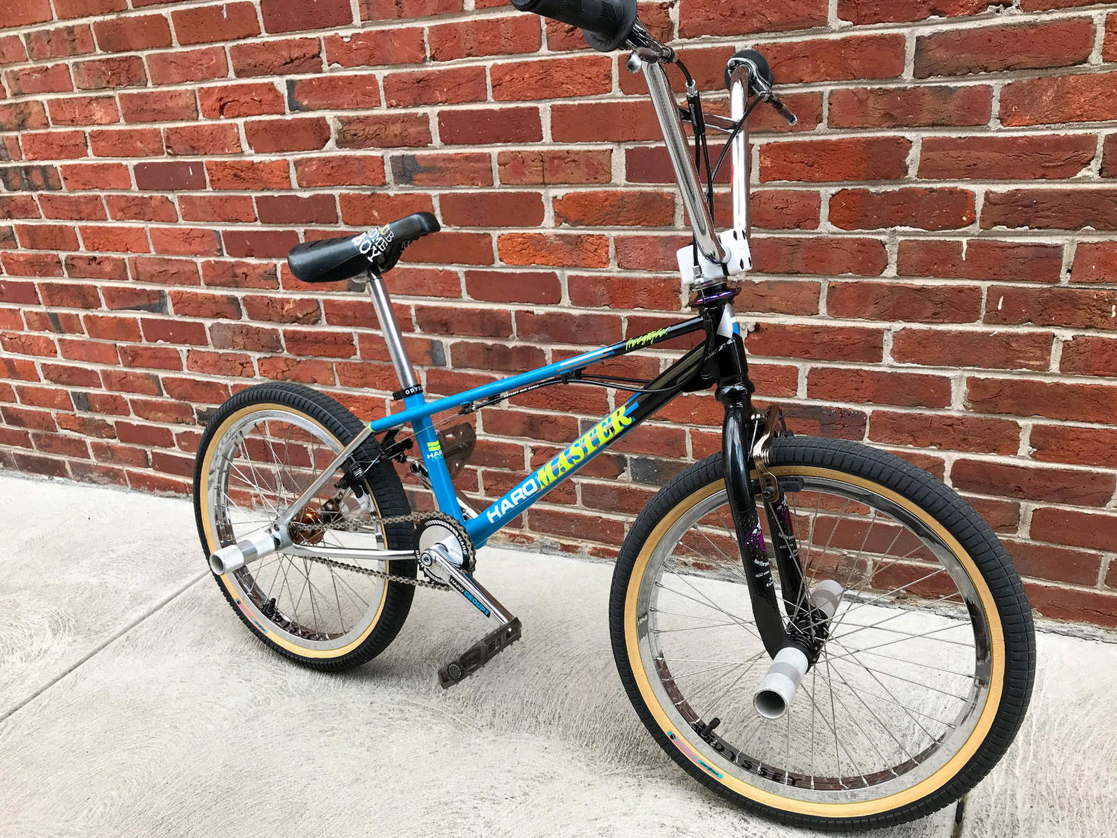 http://uploads.bmxmuseum.com/user-images/79740/haro-master-flat_035accdbcc29_blowup5cba8cd442.jpg