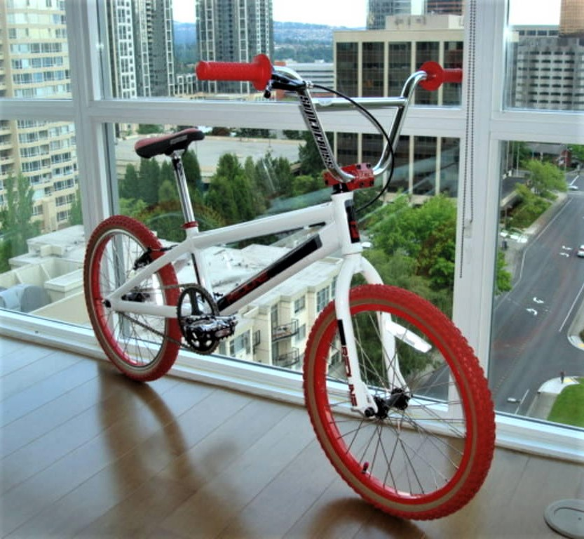 http://uploads.bmxmuseum.com/user-images/80817/redline3_copy25_blowup5bfec660b2.jpg
