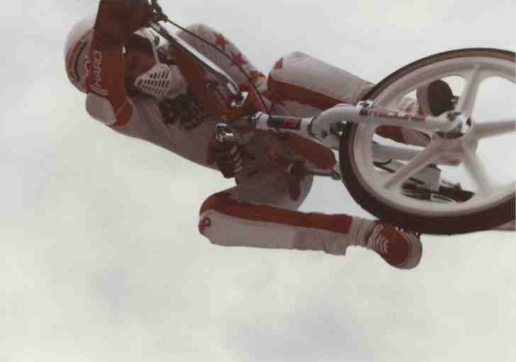 http://uploads.bmxmuseum.com/user-images/8331/air25c390745695c3971704d.jpg