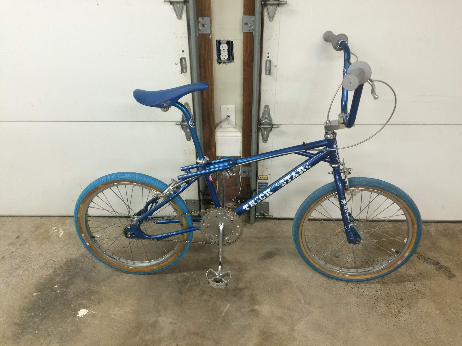 http://uploads.bmxmuseum.com/user-images/84885/blue-ts56a8f5d39f.jpg